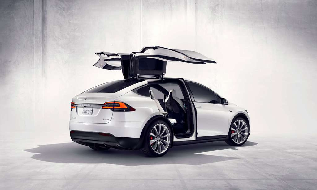 This image has an empty alt attribute; its file name is Tesla-model-x-.jpg