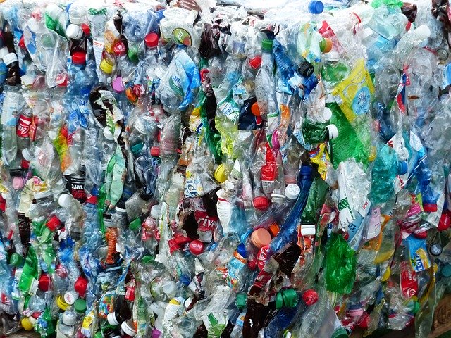 This image has an empty alt attribute; its file name is plastic-bottles-115082_640.jpg