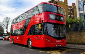 This image has an empty alt attribute; its file name is byd-london-bus.jpg