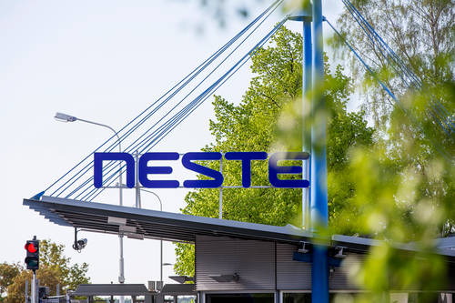 This image has an empty alt attribute; its file name is Neste_Naantali_2015_004.jpg