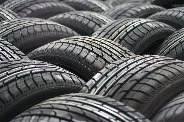 This image has an empty alt attribute; its file name is car-tyres-63928_640.jpg